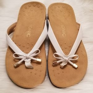 Vionic White Sandal